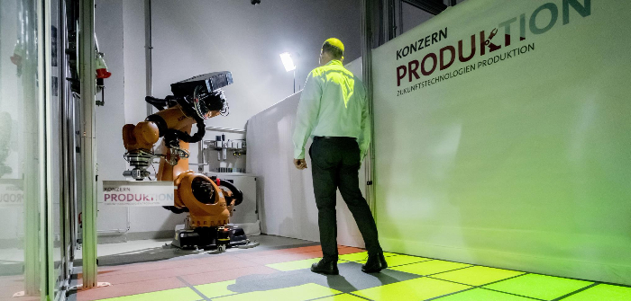 Dynamic safety zones enable safe cooperation between people and robots