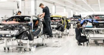 McLaren to launch 18 new cars in bid to be 100% hybridized by 2025