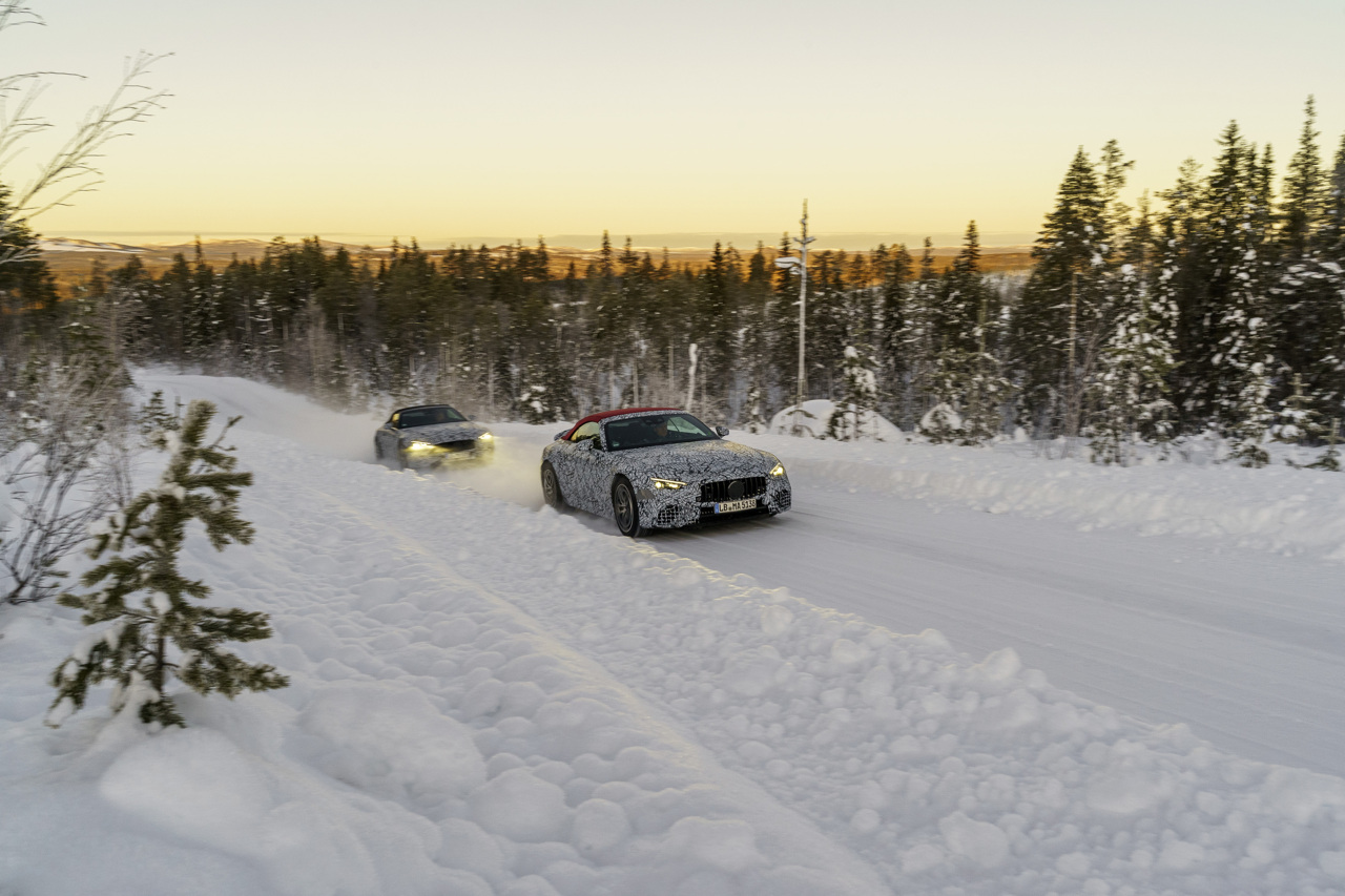 The eighth-gen Mercedes-AMG SL tackles the snow-clad roads of Sweden