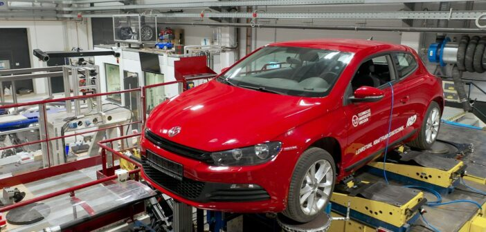 Dynamic full-vehicle test stand analyses with GOM Aramis